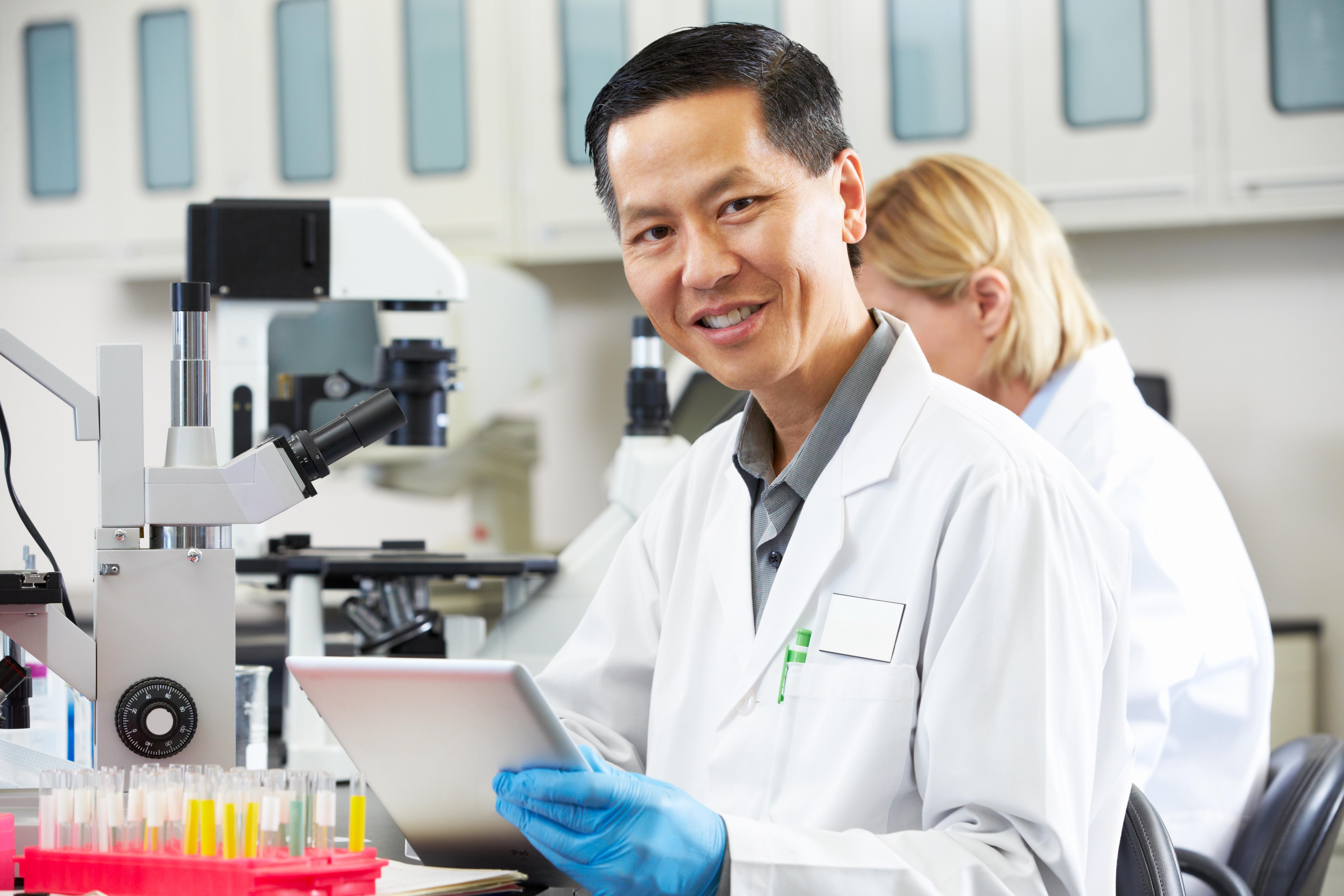 Clinical-diagnostics-development-clinical-trial-testing-central-laboratory-assay-design-validation-verification-development